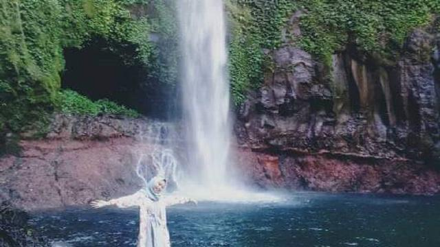 Air Terjun Bagai Air Dari Surga